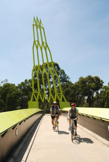 how to get to sugarloaf reserve from lilydale